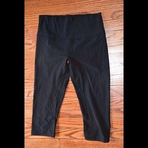 Lululemon black Crop Legging Pants Size 10